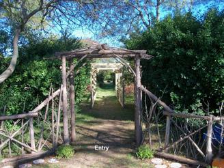 C2011_11980_CCE Suffolk County Farm 01
